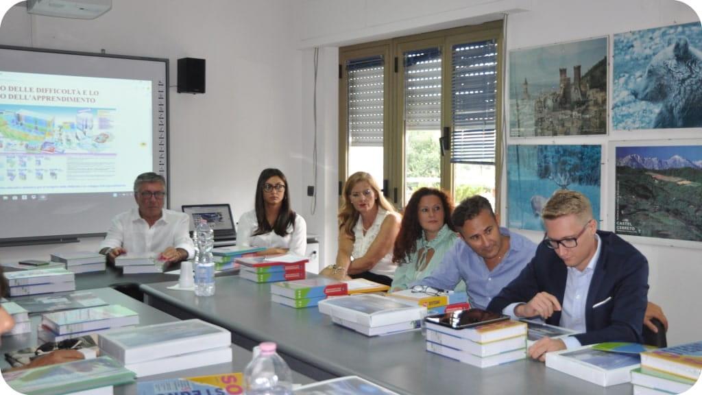 istituto-didattico-azienda-riunione-marketing-1024x576-min